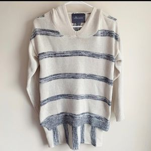 Anthropologie Paper Crane Hooded Sweater Top Cozy